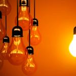 Famílias podem manter fornecedor de eletricidade de mercado livre com preço regulado